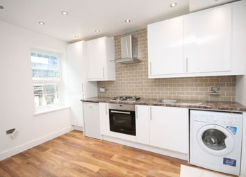 Thumbnail 2 bed flat to rent in A, Cambridge Heath Road, Bethnal Green