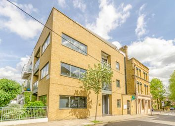 3 bed flat for sale in Sheringham Road, Islington N7