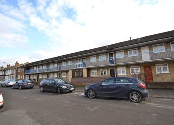 Thumbnail 1 bed flat to rent in Summerfield Street, London
