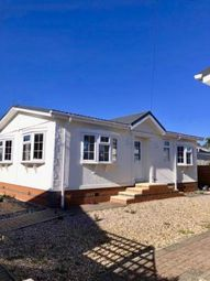 Thumbnail 2 bed mobile/park home for sale in The Grove, Woodside Park Homes, Woodside, Luton