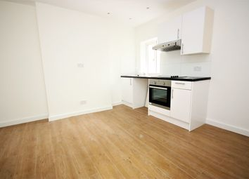 Thumbnail Studio to rent in Green Lanes, Palmers Green