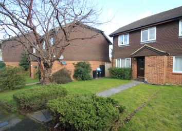 Thumbnail 3 bed property to rent in Abingdon Close, Woking