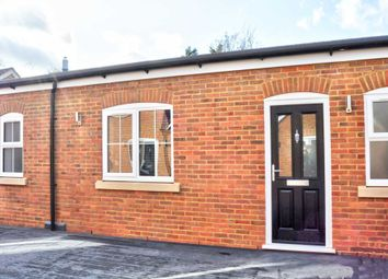 Thumbnail 2 bedroom flat to rent in High Street, Marlow