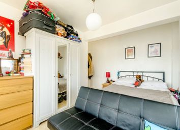 Thumbnail 2 bed flat for sale in Clifton Road, Islington