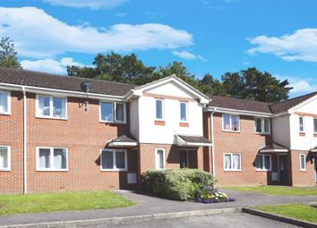 2 bed maisonette to rent in Bassett Mews, Ardnave Crescent, Southampton SO16