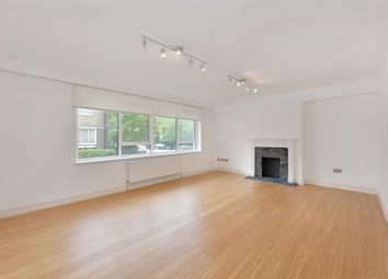 Thumbnail Parking/garage to rent in Clifton Place, London