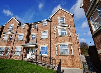 2 bed flat to rent in Aston Chase, Hemsworth, Pontefract WF9
