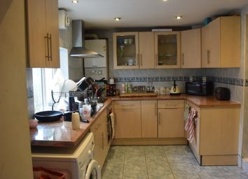 Thumbnail 4 bed flat to rent in Clapham High Street, London