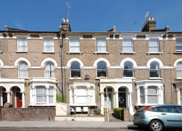 Thumbnail 1 bed flat to rent in Digby Crescent, Islington