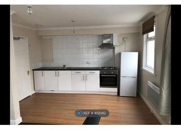 Thumbnail 1 bed flat to rent in Oakwood Avenue, Surrey