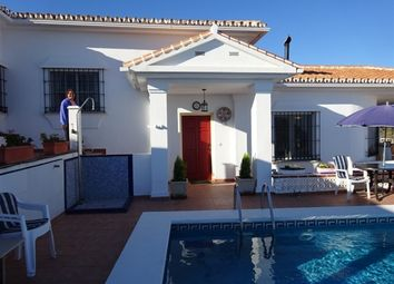 Thumbnail 4 bed villa for sale in Spain, Málaga, Vélez-Málaga, Benajarafe