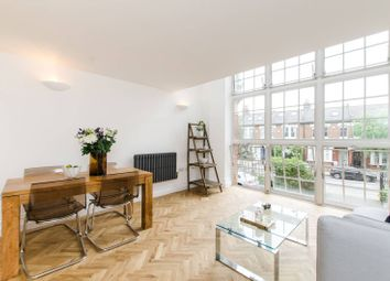 Thumbnail 1 bed flat to rent in Kingsway Square, Battersea