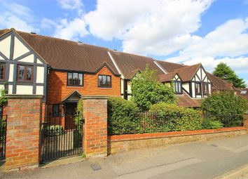 Thumbnail 3 bed cottage to rent in South Park, Gerrards Cross, Buckinghamshire