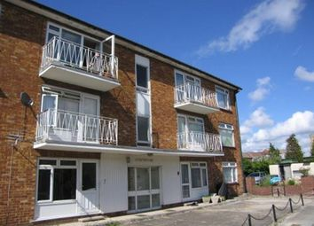 Thumbnail 2 bed flat to rent in Crescent Road, Fareham