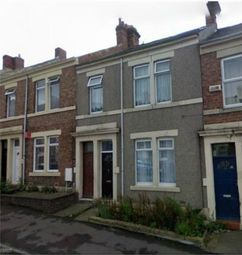 Thumbnail 3 bed flat to rent in Northbourne Street, Deckham, Gateshead, Tyne And Wear