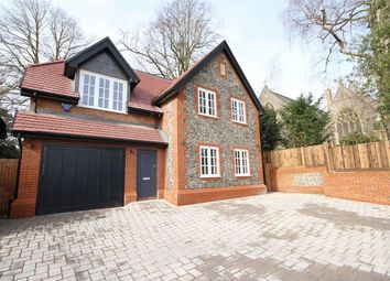 Thumbnail 3 bed detached house for sale in 154 Watling Street, Radlett, Hertfordshire