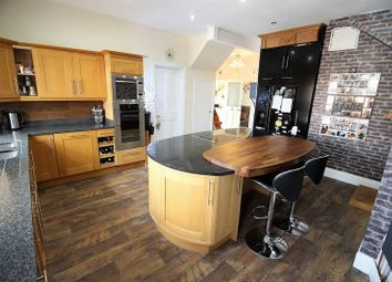 Thumbnail 2 bed flat for sale in Holbeck Hill, Scarborough