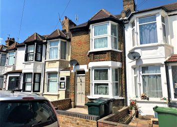 3 bed property to rent in Milton Road, Swanscombe, Kent DA10