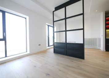 Thumbnail 1 bed flat to rent in Grantham House, London City Island