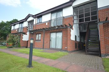 Thumbnail 1 bedroom flat to rent in Kingsley Court, Elworth, Sandbach, Cheshire