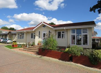 Thumbnail 2 bedroom mobile/park home for sale in Yeomans Way, Pilgrims Retreat, Maidstone