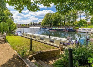 Thumbnail 1 bedroom houseboat for sale in Carpenters House, Hampton Court Road, East Molesey