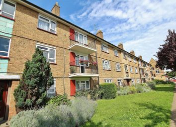 Thumbnail 2 bed flat to rent in South Street, Isleworth