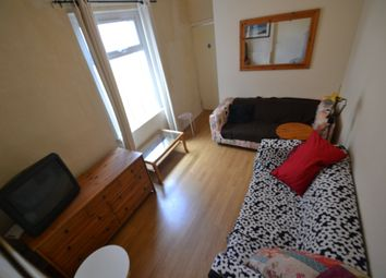 Thumbnail 4 bed property to rent in Dogfield Street, Cathays, Cardiff