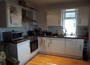 Thumbnail 3 bedroom flat to rent in Goring Road, Goring-By-Sea, Worthing