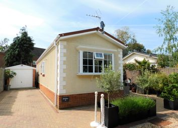 Thumbnail 2 bed mobile/park home for sale in Manygate Park, Mitre Close, Shepperton