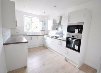 Thumbnail 3 bedroom flat to rent in Holden Road, London