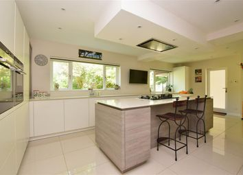 4 bed detached house for sale in Pond Close, Loxwood, West Sussex RH14