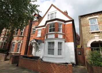 Thumbnail 2 bed flat to rent in Warwick Avenue, Bedford