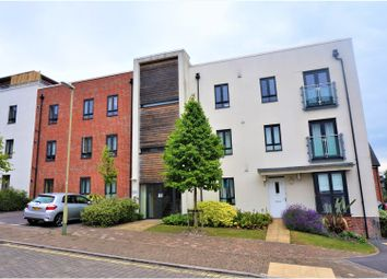 Thumbnail 2 bed flat for sale in Sinclair Drive, Town Centre, Basingstoke