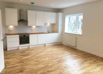 Thumbnail 1 bed flat to rent in The Avenue, Berrylands, Surbiton