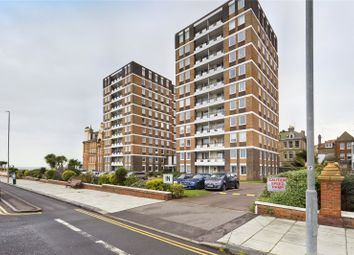 Grand Avenue, Hove BN3. 2 bed flat for sale