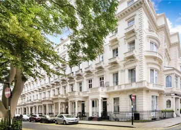 Thumbnail Flat for sale in Queens Gardens, London