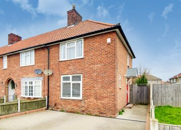 Green Lane, Dagenham RM8. 2 bed end terrace house