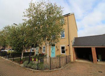 Top Fox Way, Redhouse Park, Milton Keynes, Buckinghamshire MK14. 3 bed town house for sale