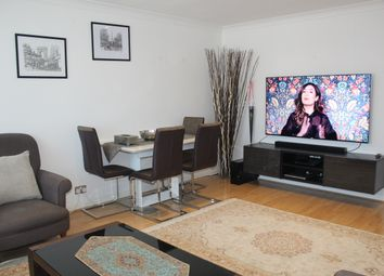 Thumbnail 2 bed flat to rent in Squirells Close, Woodside Park