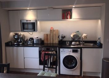Thumbnail 2 bed flat to rent in Bath Street, Notitngham