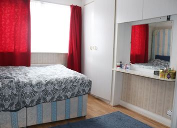 4 bed terraced house to rent in Thirlmere Gardens, Kenton HA9