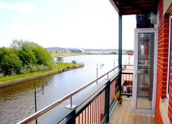 Thumbnail 1 bed flat to rent in Adventurers Quay, Cardiff