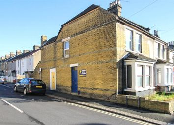 Grove Road, Strood, Kent ME2. 1 bed flat for sale