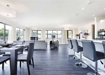 Thumbnail 3 bed flat for sale in High Street, Berkhamsted, Hertfordshire