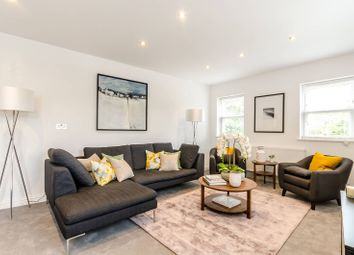 Thumbnail 3 bed maisonette for sale in Clearview House, Hampton