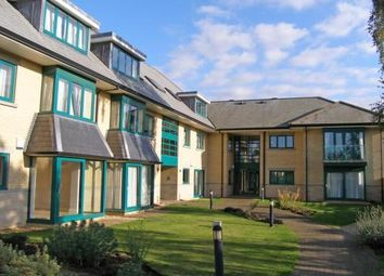 2 bed flat to rent in Woodhead Drive, Cambridge CB4