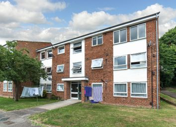 Thumbnail 2 bed flat for sale in Gordon Road, Chesham