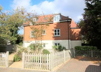 2 bed flat to rent in Wessex Gate, Shinfield Road, Reading, Berkshire RG2