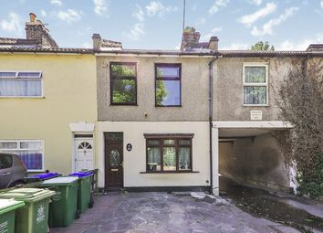 3 bed semi-detached house to rent in West Street, Erith DA8